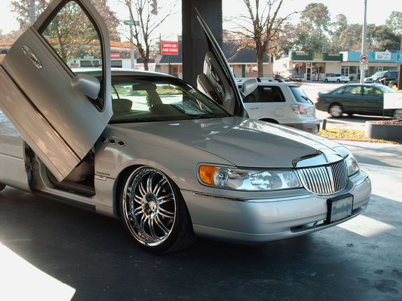 98 06 Lincoln Town Car Bolt On Lambo Door Kit
